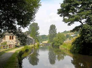 Bottomley Lock, Rochdale Canal